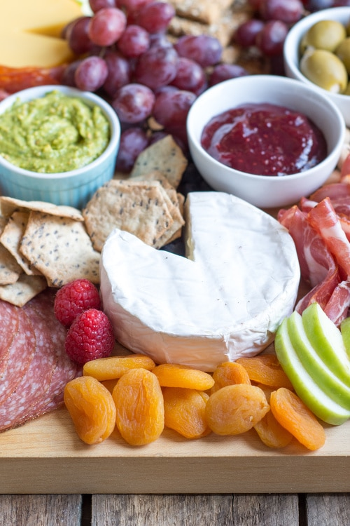 How to Make an ALDI Cheese Board