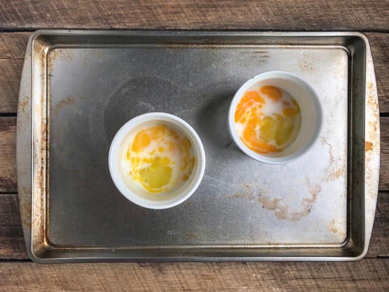 Cooking eggs in ramekins