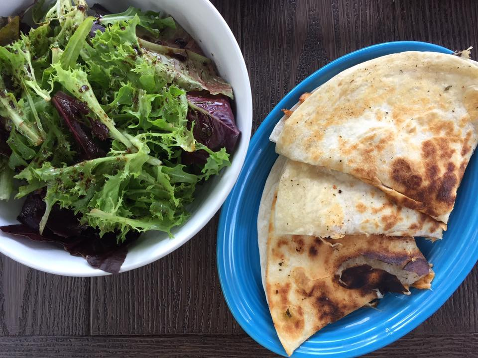 Quesadilla with Salad: Lunch Ideas for Teens