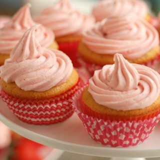 Very Berry Naturally Pink Frosting