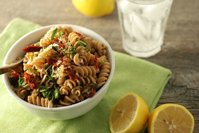 Spinach and Sun Dried Tomato Pasta