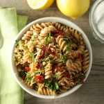 One Pot Spinach and Sundried Tomato Pasta