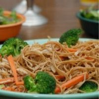 Peanut Butter Noodles With Carrots & Broccoli