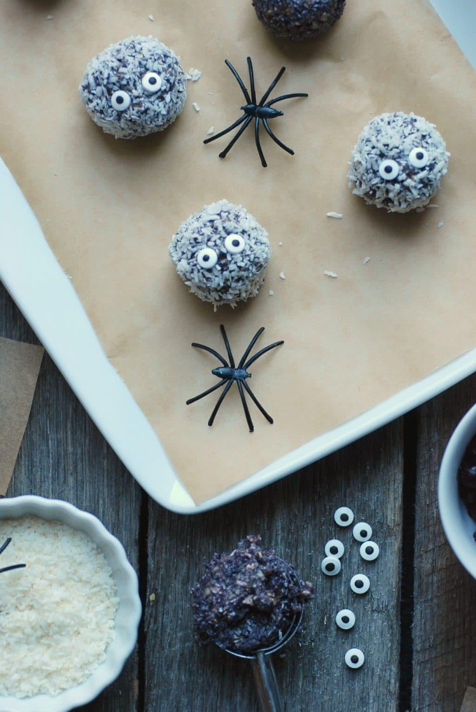 Healthy Halloween snack: Boo-Berry Snack Balls